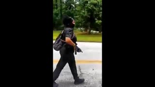 """Armed Black """"Peaceful Protesters"""" Harassing White People At Stone Mountain, Gerogia"""
