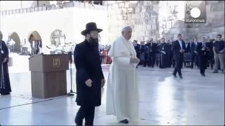 Pope Francis Praying at Western Wall In Jerusalem