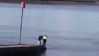 Man Pushes Police Man in the Sea and Runs Away - HILARIOUS