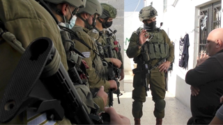 Occupation routine: Israeli soldiers once again harass Da'na  family at their Hebron home