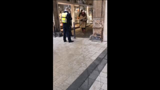 ⚫️🔴🟡 Germany corp.: old woman is arrested with handcuffs because she does not wear a mask