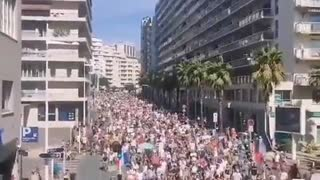 FRANCE HUGE DEMONSTRATION IN #TOULON FOR THE TENTH CONSECUTIVE SATURDAY AGAINST THE GREEN PASS