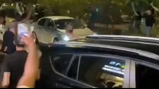 Total mayhem in the Israeli city of Lod , the mayor claims its a civil war between arabs and jews