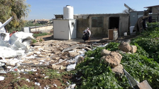 Israel demolishes the homes of two families in Khirbet Yarza for the second time